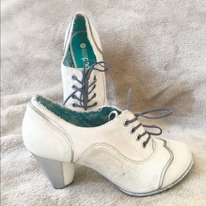 Supercute Empodium Leather Shoes Retro 6.5 - 7